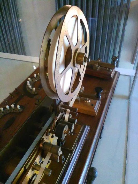 Telegrafo (particolare con la rotella)