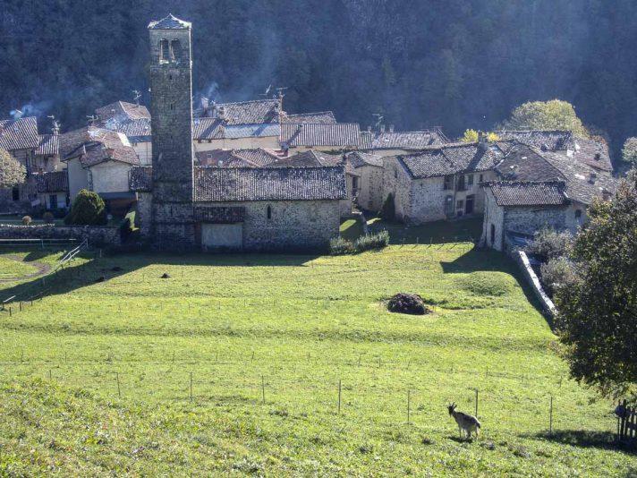 Borgo di Cornello dei Tasso da ovest