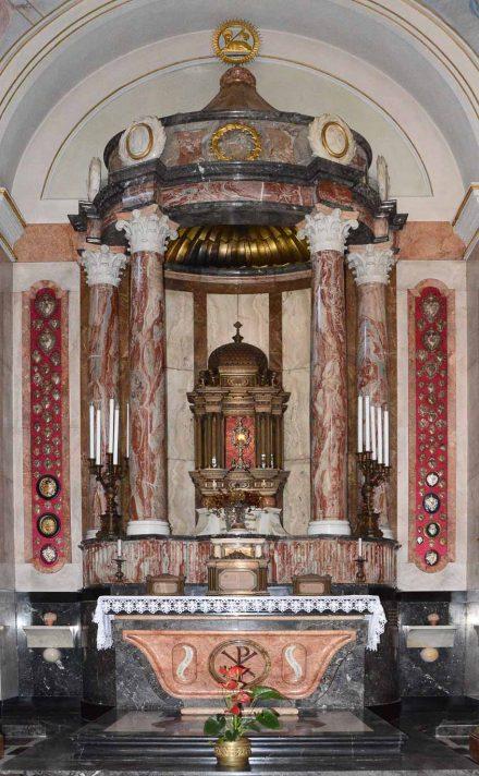 Altare della Sacra Spina nella chiesa parrocchiale di San Giovanni Bianco