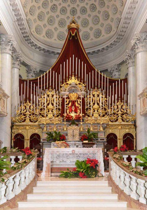 Interno della chiesa parrocchiale di San Giovanni Bianco